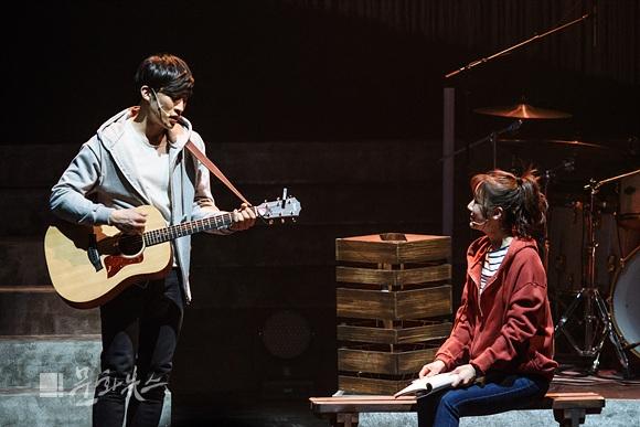 [문화리뷰] 첫사랑의 추억 되새길 몽니의 뮤직 드라마 콘서트 2017 '그로운업(Grown up)'