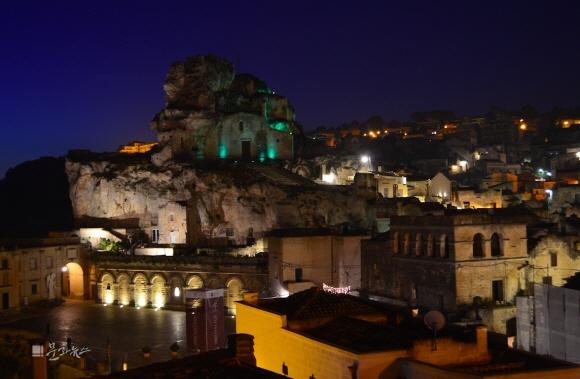 [서바이벌 이탈리아] 세상에서 가장 로맨틱한 동굴…'마테라'의 비밀 파헤치기