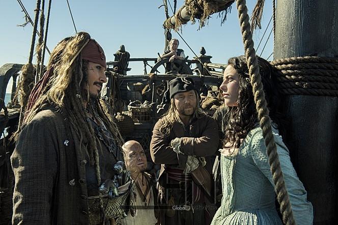 [영알못의 600자리뷰] '캐리비안의 해적: 죽은 자는 말이 없다', 디즈니와 브룩하이머가 말이 없는 이유?