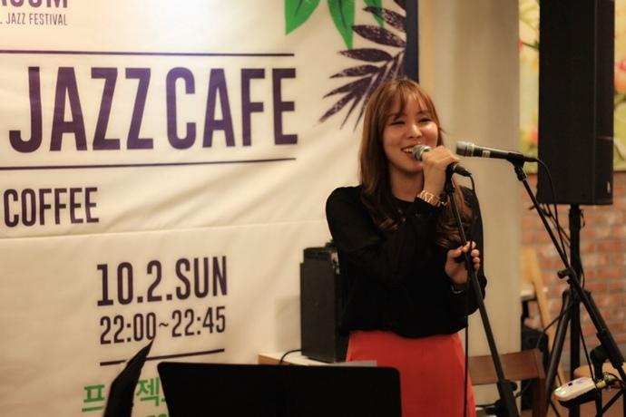 [음악꺼리] 실패하고 실패하고, 그러다 결국 '재즈'를 만났다… 재즈 보컬리스트 김희나